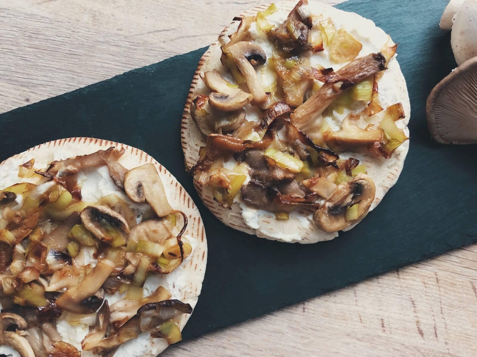 pita-pizza med svampe