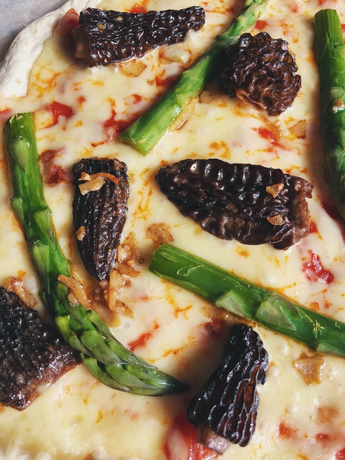 tortilla pizza med morkler ingredienser