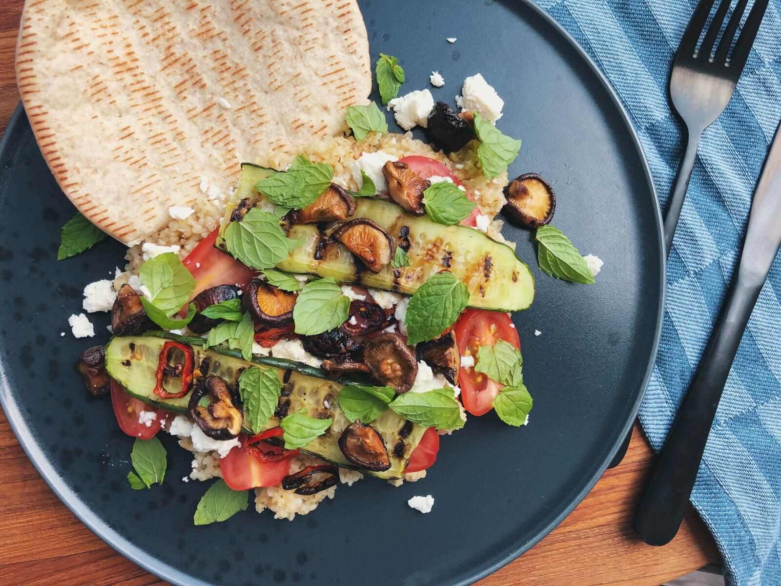 Bulgursalat med shiitake, tomat og feta