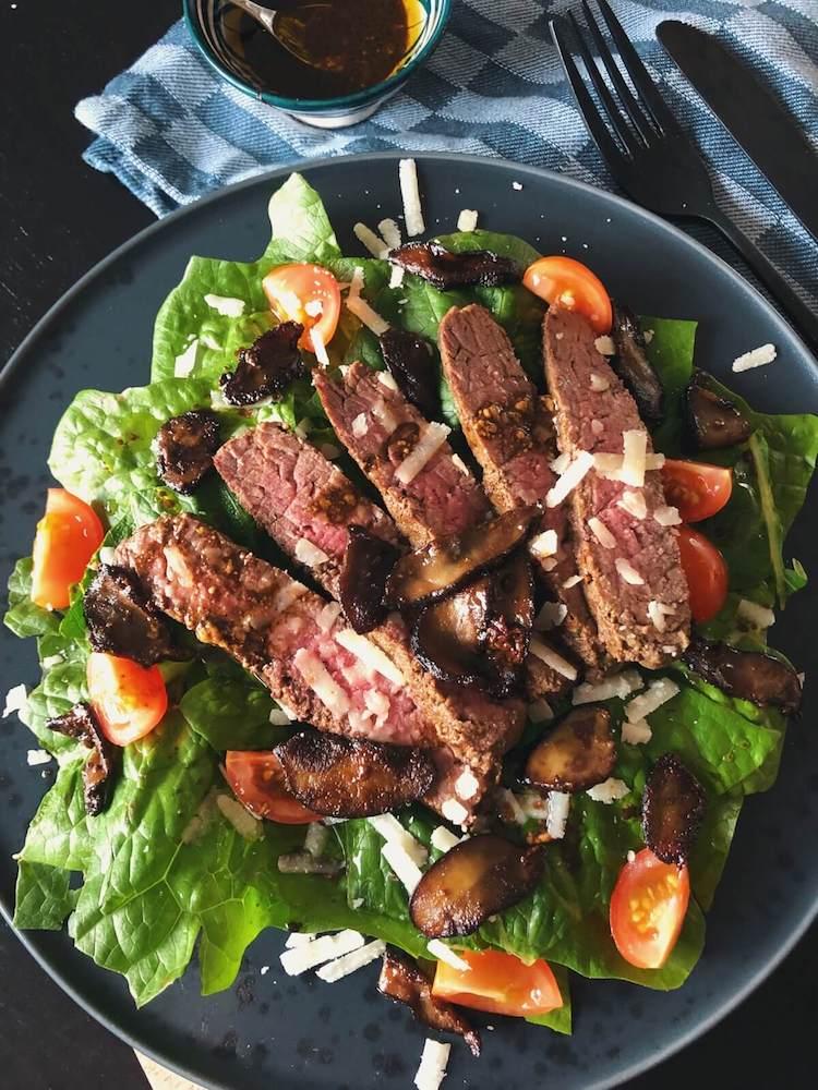 Steak salat med Skælrørhat ingredienser