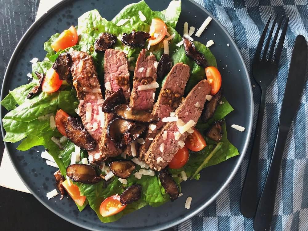 Steak salat med Skælrørhat